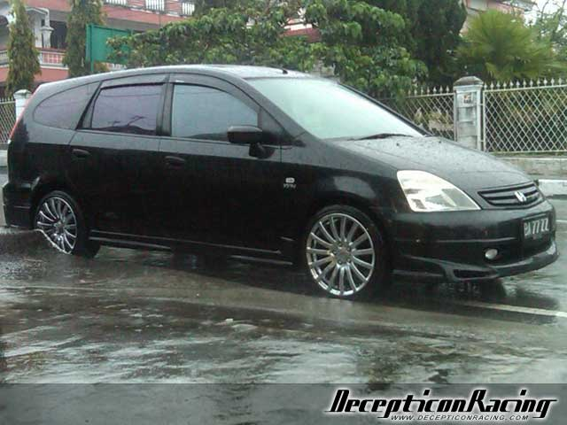 2002 Honda Stream Modified Car Pictures